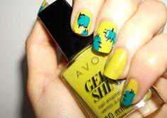 My #manicure for #Fabulousity.it : 2 in 1 #horro #nailart minimal #Frankenstein tutorial 2-in-1 manicure last minute