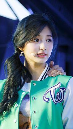 Beautiful Gorgeous, Beautiful Asian Girls, Nayeon, Korean Beauty, Asian Beauty, Lily Chee, Twice Kpop, Tzuyu Twice, Girl Inspiration