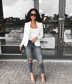 Image may contain: 1 person, standing, shoes and sunglasses Smart Casual Jeans Outfit, Business Casual Outfits, Professional Outfits, Cute Casual Outfits, Chic Outfits, Summer Outfits, Fashion Outfits, Smart Attire, Fashionable Outfits