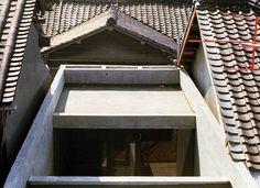 Azuma Row House, ceiling - Tadao Ando