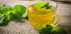Peppermint tea is a popular herbal tea that is naturally calorie- and caffeine-free. Some research has suggested that the oils in peppermint may have antibacterial and pain-relieving properties. Learn more about the health benefits of peppermint tea here. La Constipation, Heartburn, Natural Home Remedies, Herbal Remedies, Herbal Anti Inflammatory, Peppermint Tea Benefits, Peppermint Plants, Apple Cider Vinegar Remedies, Spearmint Tea
