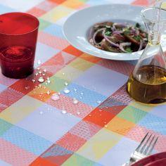 Vaisselle sur nappe flash Garnier-Thiebaut