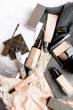 burberry-beauty-style-fashion-beauty-flatlay-photography-blog