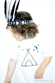 DIY Painted T-shirt TUTORIAL: This is ADORABLE! jojoandeloise.com Native American T Shirts, Native American Baby, T Shirt Tutorial, Diy Tutorial, Classroom Crafts, Diy Crafts For Kids, Craft Ideas, T Shirt Diy, Diy Clothes