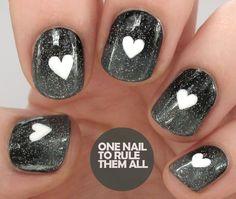 Monochrome gradient & nail art with Fairy Dust.