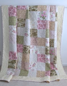 Twin Size Patchwork Quilt with Floral Prints by KimsQuiltingStudio