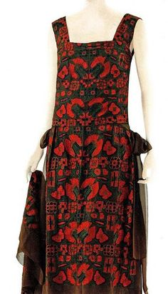 1922 Chanel - Design by Gabrielle Coco Chanel - Vintage Chanel 1920's chiffon dress