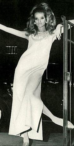 Head-to-toe allure. Veruschka by Franco Rubartelli for Vogue US, 1967