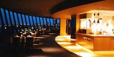 泊まるには高すぎるけど、やっぱり憧れる高級ホテル。ラウンジでゆったりしているだけでもちょっとセレブ気分を味わえちゃいますよね。今回は、そんな高級ホテルで食べられる「お得なランチビュッフェ」6選をご紹介しちゃいます!