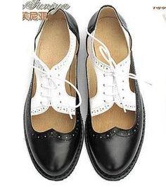 Britânico Retro Handmade Personalizado Cores Misturadas Sapatos de Superfície Líquida sapatos Bullock Carve Padrões de couro Genuíno Lace-up Sapatos Oxford Feminino