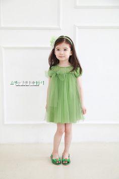 So cuteeeee.. :D Such a beautiful little baby.