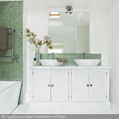Hängeschrank Bad NEAPEL Hochglanz Weiß / Weiß Landhausstil Für Ihr  Badezimmer. Badezimmer Oberschrank   2 Türig   Breite 50 Cm.