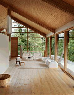 In the Finnish fishing village Fiskars, is the beautiful studio of ceramist Karin Widnäs. The house is designed by the Tuomo Siiton architectural firm and the property consists of three parts; studio, home and, of course, the sauna.