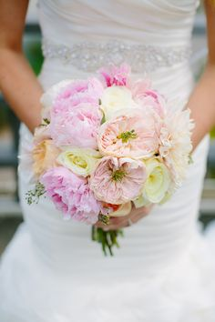 Pink, peach and cream wedding bouquet | Photography: Greenhouse Loft Photo - www.greenhouseloftphoto.com  Read More: http://www.stylemepretty.com/midwest-weddings/2014/04/30/modern-greenhouse-loft-wedding/