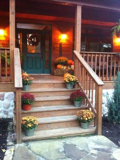 porch rails & steps -- like support on bottom level; not on last step Fall Porches, Country Porches, Decks And Porches, Front Porch Railings, Front Porch Design, Exterior Design, Interior And Exterior, Outdoor Projects, Outdoor Decor
