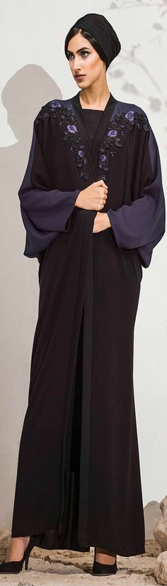 Hand embroidery flowery design New Abaya Design, Abaya Designs, Abaya Fashion, Vogue Fashion, Modern Abaya, Abayas, Caftans, Niqab, Muslim Women