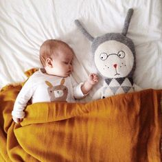 sleeping buddies | @modernburlap loves
