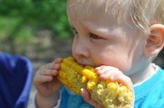 Wie man Kinder ermutigt, neues Essen auszuprobieren
