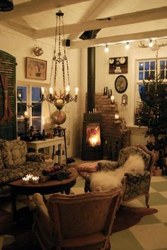 ❥ love this icelandic home~ especially in fire- and candlelight