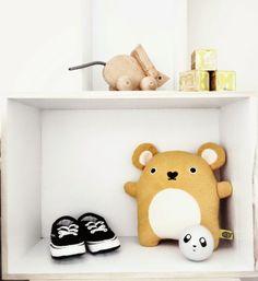 SUUS | Sneak Peak Nursery | ensuus.blogspot.nl | Kidsroom Nursery Boysroom Baby | Lapin - Noodoll - Ferm Living - Panda - Mouse - Vans- Grey - Yellow |