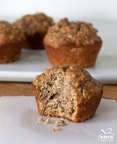 Healthy Banana Muffins - Whole wheat flour, oats, bananas oh my!! Sounds delicious @Kim's Healthy Eats