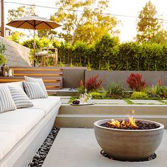 25 Modern Room Decorating Ideas - Sunset we can create seating and and firepit directly off the dining room. Fire Pit Backyard, Backyard Patio, Backyard Landscaping, Backyard Seating, Outdoor Rooms, Outdoor Gardens, Fire Pit Seating, Seating Areas, Modern Backyard