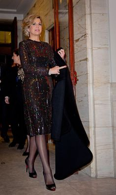 Sofia Hellqvist, a model of little clothes to be chosen as the `` most traditional woman '' - Celebs Queen Fashion, Royal Fashion, Dress Outfits, Fashion Dresses, Estilo Real, Royal Clothing, Style Casual, Queen Maxima, Classy Women