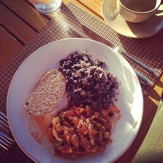 """Hoy, en """"Desayunos del Mundo"""": gallopinto y picadillo."""