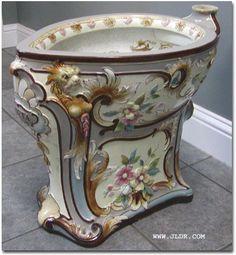 Victorian Toilet in Porcelain. Victorian Interiors, Victorian Furniture, Victorian Decor, Victorian Homes, Victorian Era, Vintage Furniture, Pipe Furniture, Furniture Stores, Furniture Design