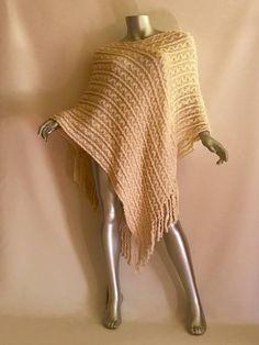 Poncho tejidos a palitos Crochet Ideas, Fashion, Moda, Fashion Styles, Fashion Illustrations