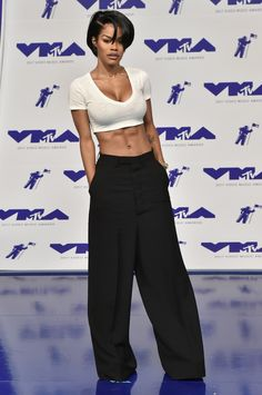 68635741c1a92 Every Single Look From the 2017 VMAs Red Carpet