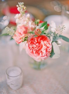 Coral wedding flowers - Photography by Jana Morgan Photography / janamorgan.com, Event Planning by Belle Destination Weddings