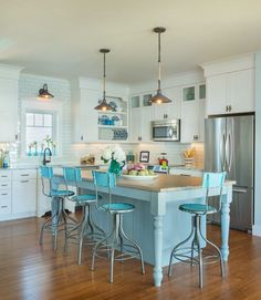 House Of Turquoise: Caldwell And Johnson Beach Coastal Kitchen | Beach  House Inspiration ⚓ Coastal Home Decor | Pinterest | Turquoise, Beach And  Kitchens
