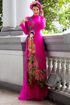 áo dài hoa văn Vietnamese Traditional Dress, Vietnamese Dress, Vietnam Costume, Traditional Gowns, Traditional Clothes, Indian Designer Outfits, Beautiful Asian Women, Stunning Women, Pink Fashion