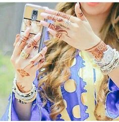 Dp by shao Beautiful Girl Photo, Cute Girl Photo, Beautiful Girl Image, Stylish Girls Photos, Stylish Girl Pic, Girl Photos, Mehendi, Arabian Beauty Women, Mehndi Design Pictures
