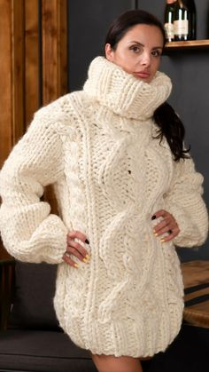 Thick Sweaters, Cute Sweaters, Wool Sweaters, Mohair Sweater, Turtleneck Dress, Red T, Sweater Outfits, Turtle Neck, Pullover