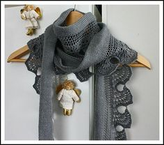 Ravelry: Aile d'Ange - Angel Wing Scarf pattern by Gabriella Henry