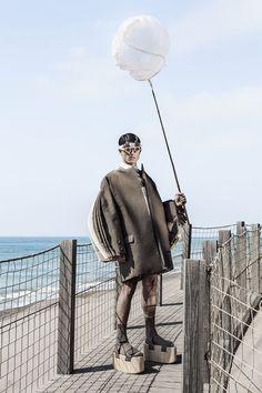 Sculptural Futurism Editorials : martin across