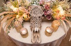 Photography : Aaron Delesie Photographer | Venue : Enchantment Resort | Floral Design : Mindy Rice Floral & Event Design