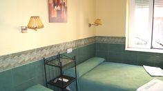Habitación doble. Wifi, secador, armario, cuarto de baño, Tv de plasma, aire acondicionado, calefacción.