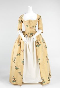 Rococo Period Dress (Robe à l'Anglaise) - 1776 - British Brooklyn Museum Costume Collection at The Metropolitan Museum of Art, Gift of the Brooklyn Museum, 2009; H. Randolph Lever Fund, 1973