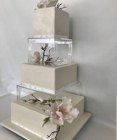 Textured Wedding Cakes, Square Wedding Cakes, Beautiful Wedding Cakes, Wedding Cake Designs, Beautiful Cakes, Wedding Stage, Wedding Pins, Wedding Goals, Our Wedding