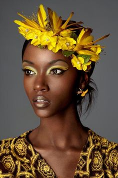Makeup for brown skin glowing Dark Skin Makeup, Eye Makeup, Gold Makeup, Makeup Art, Dark Beauty, Beauty Skin, Black Girl Aesthetic, Beauty Shots, African Beauty
