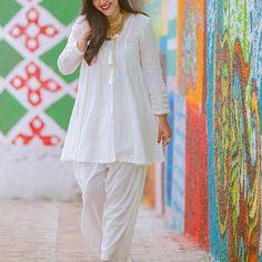 Stylish Dresses For Girls, Stylish Dress Designs, Designs For Dresses, Simple Dresses, Casual Dresses, Casual Wear, Beautiful Dresses, Pakistani Fashion Casual, Pakistani Dresses Casual