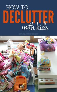 Kids seem to be born as little hoarders. They've never met a toy they're excited to part with, but with these tips they actually enjoy decluttering! Read now and find out how to create a less cluttered, more organized toy space with your kids without figh Declutter Your Home, Organize Your Life, Organizing Your Home, Organising, Organizing Toys, Organizing Ideas, Chore Ideas, Small Space Organization, Toy Organization
