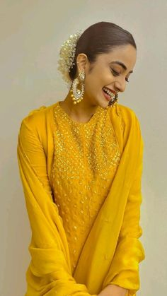 Red Leather, Leather Jacket, Malayalam Actress, Ruffle Blouse, Saree, Actresses, Jackets, Kurtis, Tops