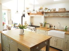 Roses and Rolltops : Goodbye Church Lane, a final house tour..