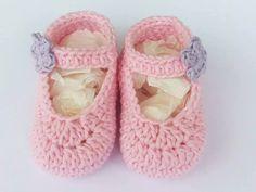 Piccole scarpine neonata realizzate all'uncinetto : Moda bebè di robillacreazioni
