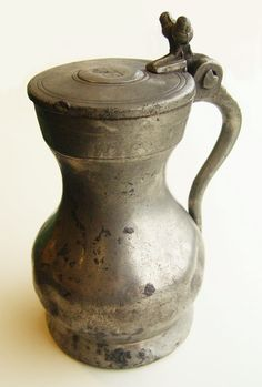 #ArcheotopstukDordt 175 Middeleeuwse huishoudspullen voor klein en groot Info: Facebook.com/DordrechtOnder… #archeologie Holy Roman Empire, 14th Century, Tin, Medieval, Household, Groot, Vase, Canning, Antiques