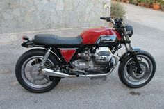 Moto Guzzi, Guzzi V7, Motorcycle Engine, Cafe Racer Motorcycle, Royal Enfield, Automotive Design, Scrambler, Bike Life, Cars And Motorcycles
